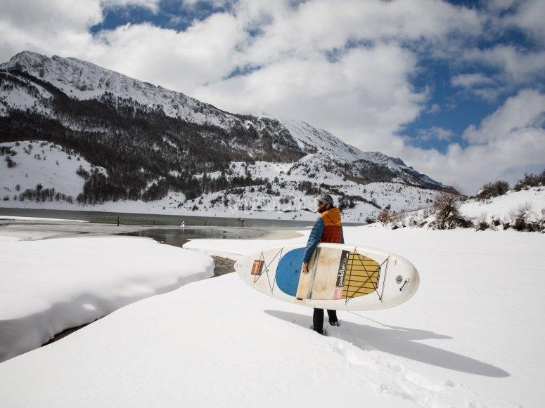 SUP雪河之路Picos de Europa的冲浪