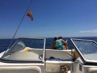 Disfruta de la Costa del Sol alquilando uno de nuestros barcos