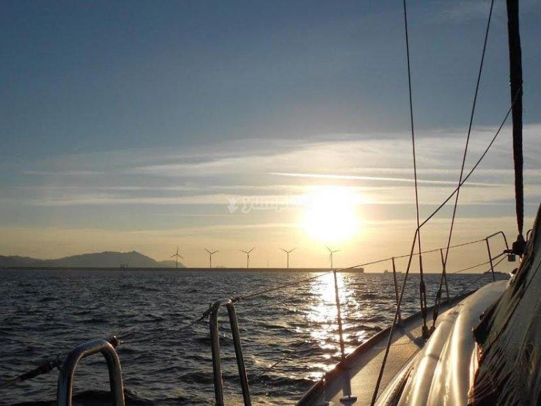 从船上美丽的日落