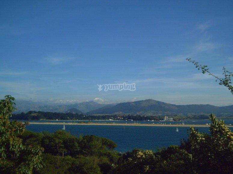 Navegando por playas de Cantabria