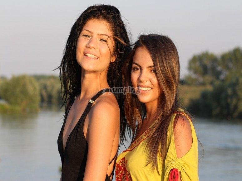 Foto con las amigas en el barco