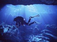 Inmersión en grutas