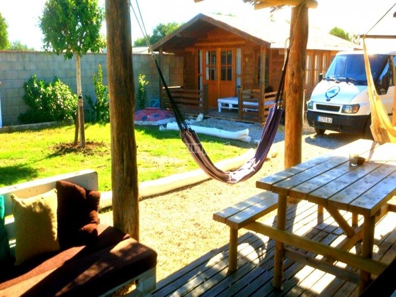 Porche para descansar en el bungalow