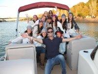 Viajando en catamaran por el rio