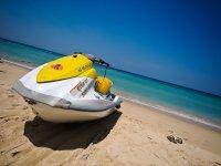 富埃特文图拉的摩托艇