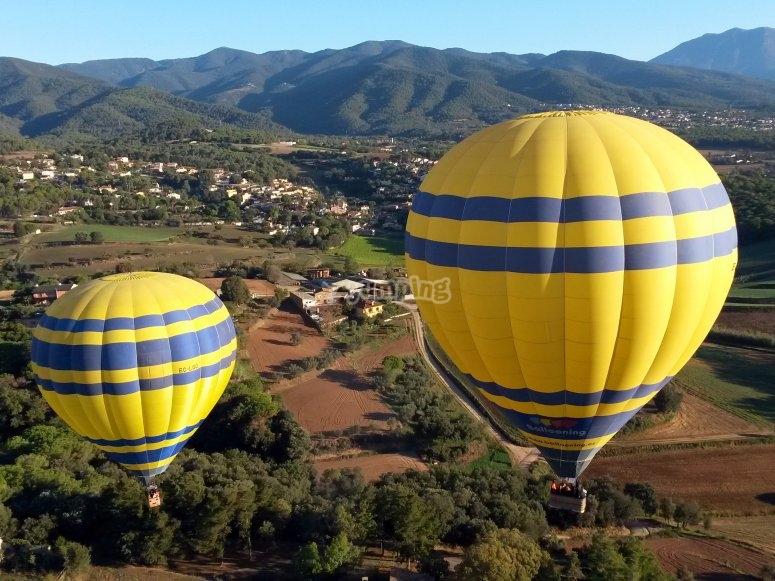 气球飞越该地区