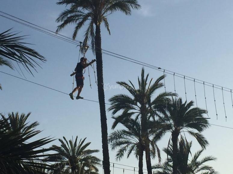 Manteniendo el equilibrio sobre la cuerda