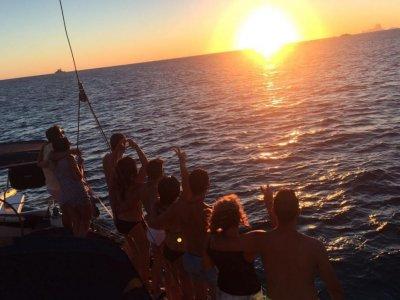 乘船前往Isla Grosa和Farallón6小时