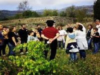 visita guada por nuestra plantacion de uvas