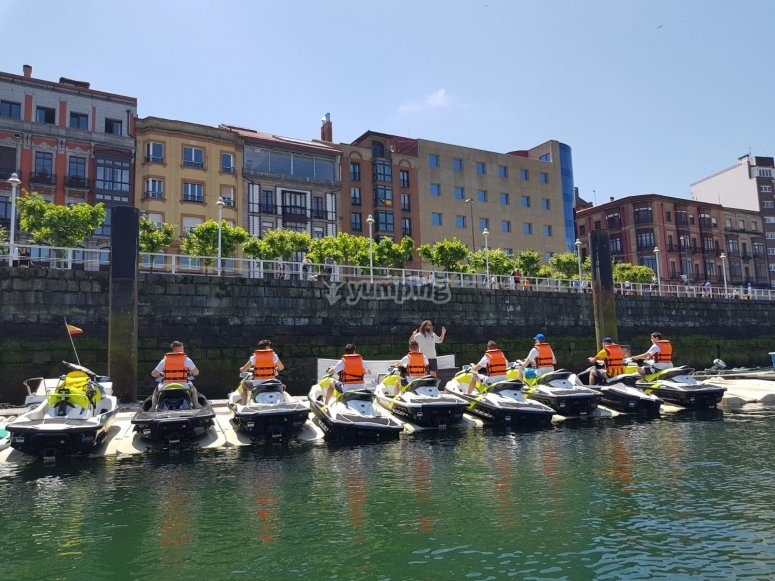 Gijón's harbour on the jet skis