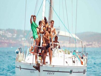 Paseo en barco para grupos por la Costa de Almería
