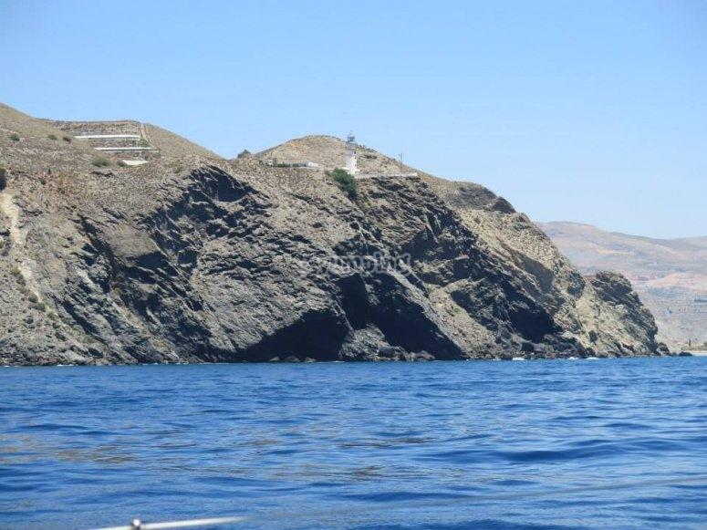 Vistas de las costas de Malaga desde el barco