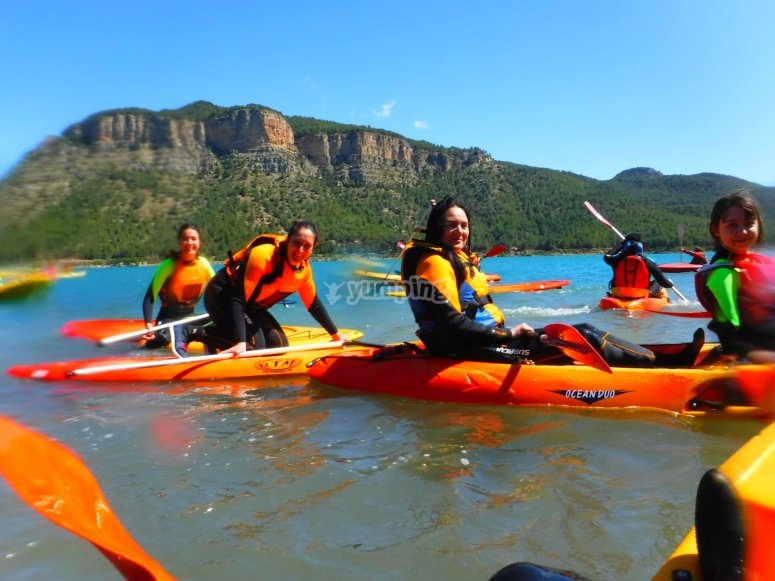 Kayak y paddle surf en el embalse de Arenoso