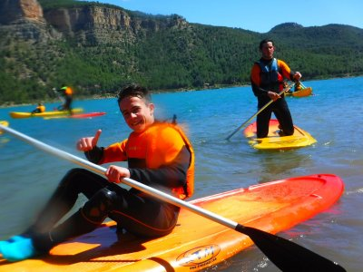 Paddle Surf en el embalse de Arenoso en Montanejos