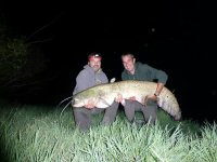 Aventura de pesca nocturna