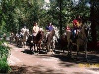 Familia a caballo