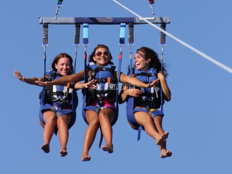 的滑翔伞航班排他性的,1,2个或3人