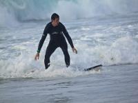 ven a hacer surf