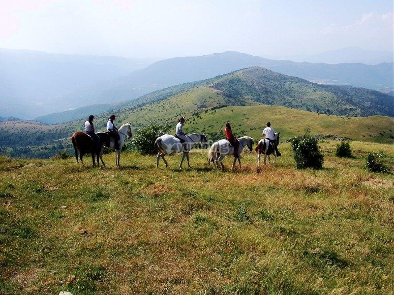 骑马穿越加泰罗尼亚山脉