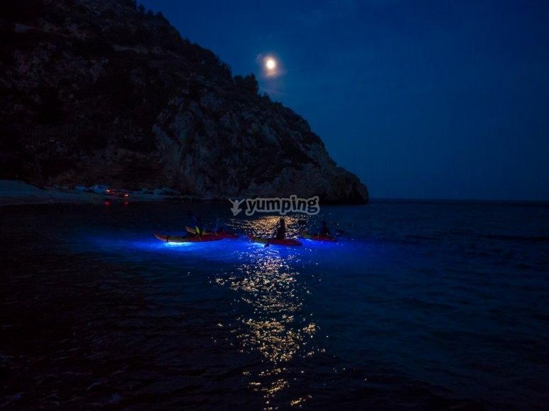 Ruta de noche en kayak