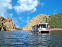 Paseando en barco por el rio Tajo