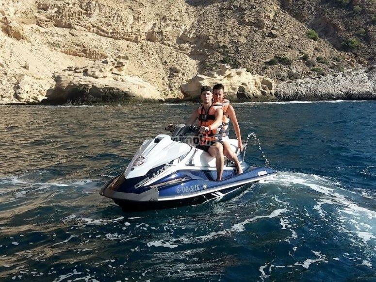 Moto acuatica para dos personas