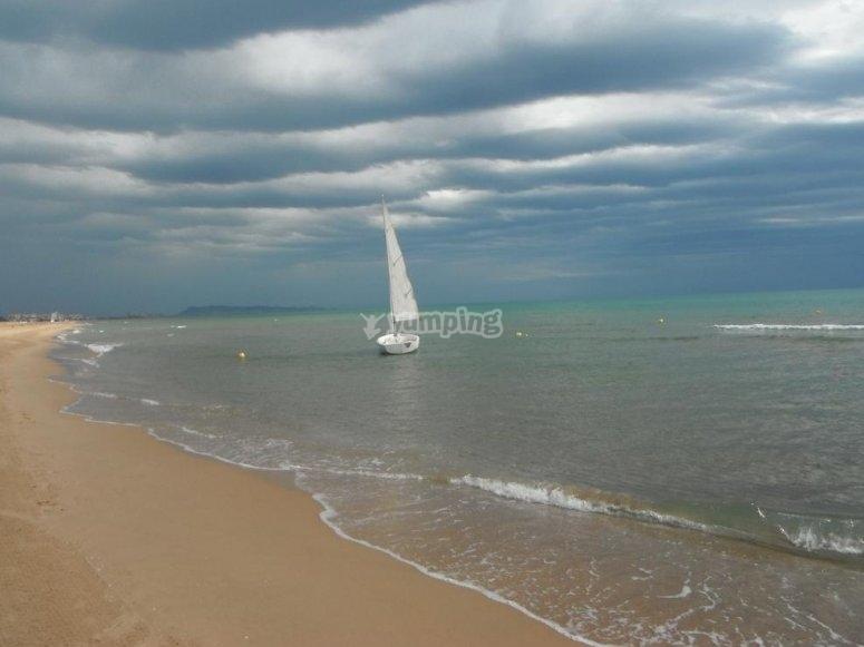 El barco en la playa