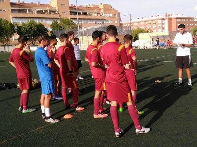 Moratalaz的足球课程为4-16岁的儿童