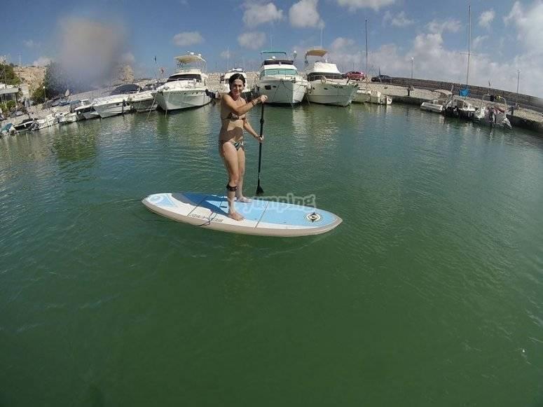 Stand up paddle en el mar Mediterraneo