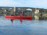 Navegando cerca del puente