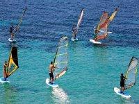 salida en grupo para hacer windsurf