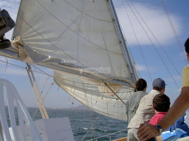 Detalle de las velas del barco