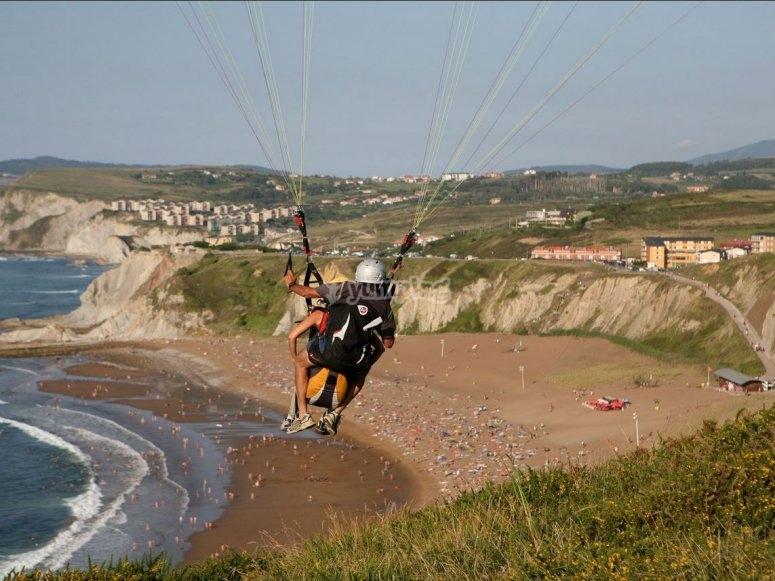 Volare sopra la spiaggia