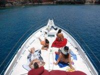 Paseo en barco en Lanzarote al atardecer 2 horas