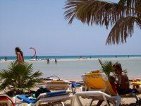 Descansado en la playa