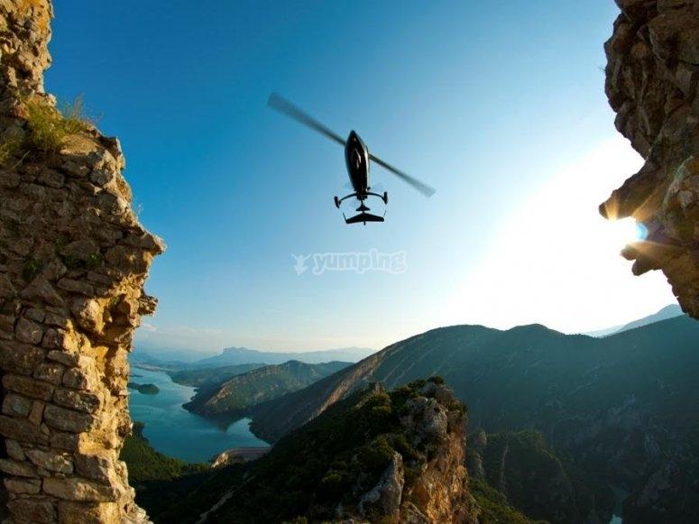 Girocóptero en vuelo