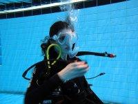 Immersione in piscina