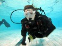 Immersioni in una piscina