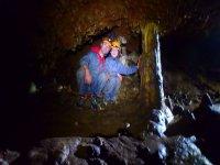 Coppia all'interno della grotta - 999 - Approfondimento nella grotta