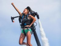 Towards the sky with the jetpack