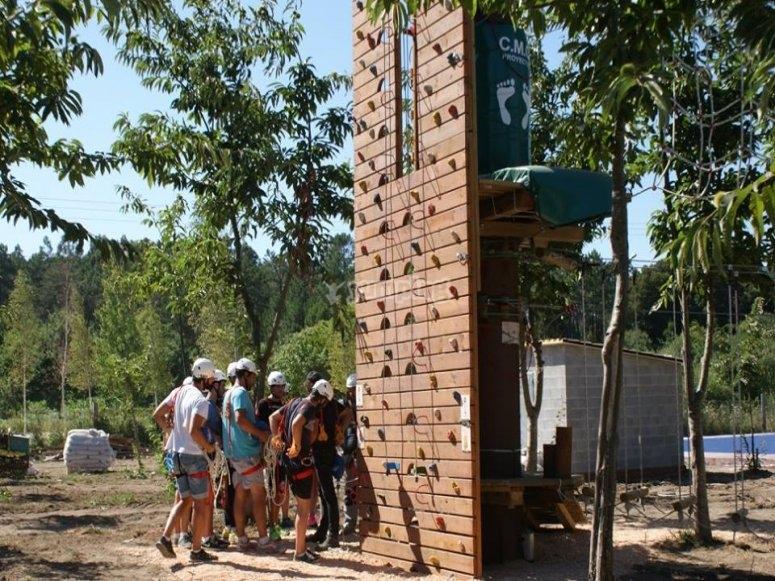 Escalada en rocodromo para los alumnos