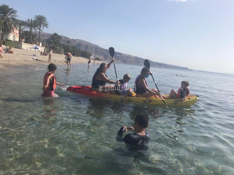 Ruta en kayak familia