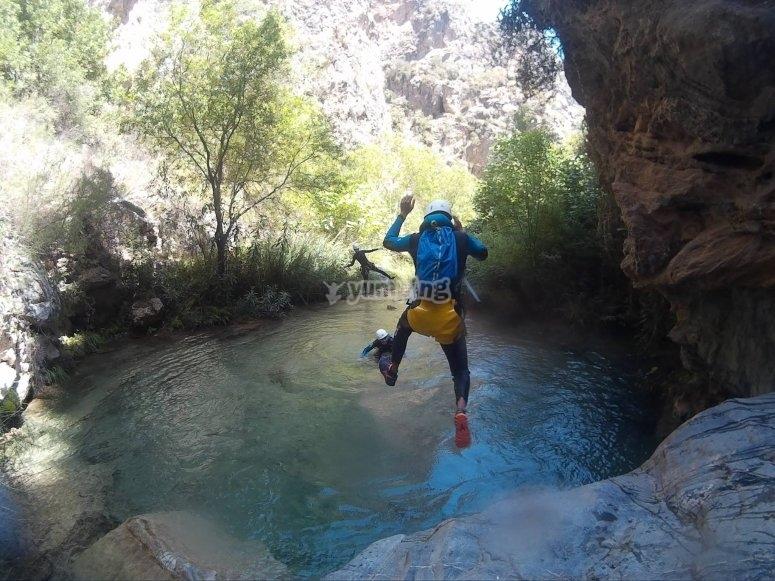 Saltos desde las rocas
