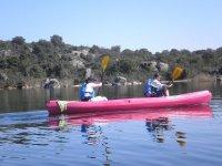 Tandem canoes in the Valmayor reservoir