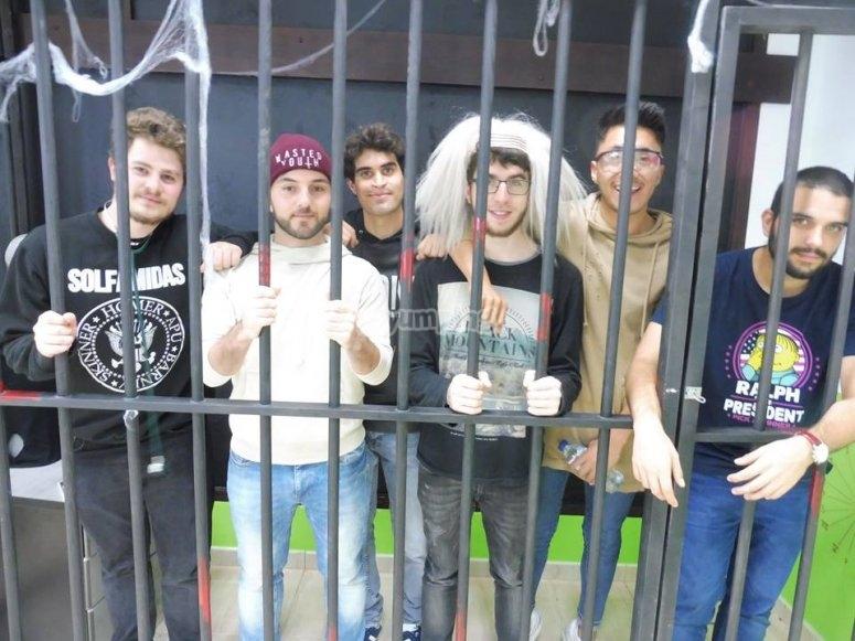 Foto de grupo despues de escapar