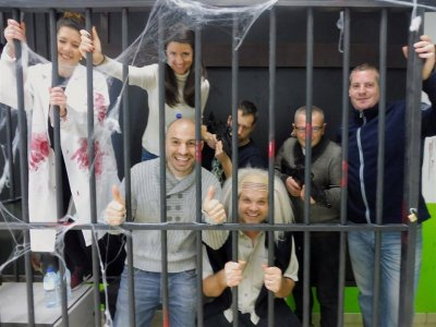 Escape room en Ibiza en sala de laboratorio