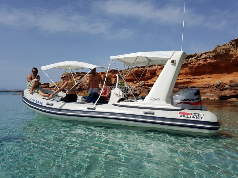 Aguas cristalinas del Mediterraneo