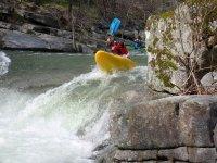 Remando en el kayak por el Tormes