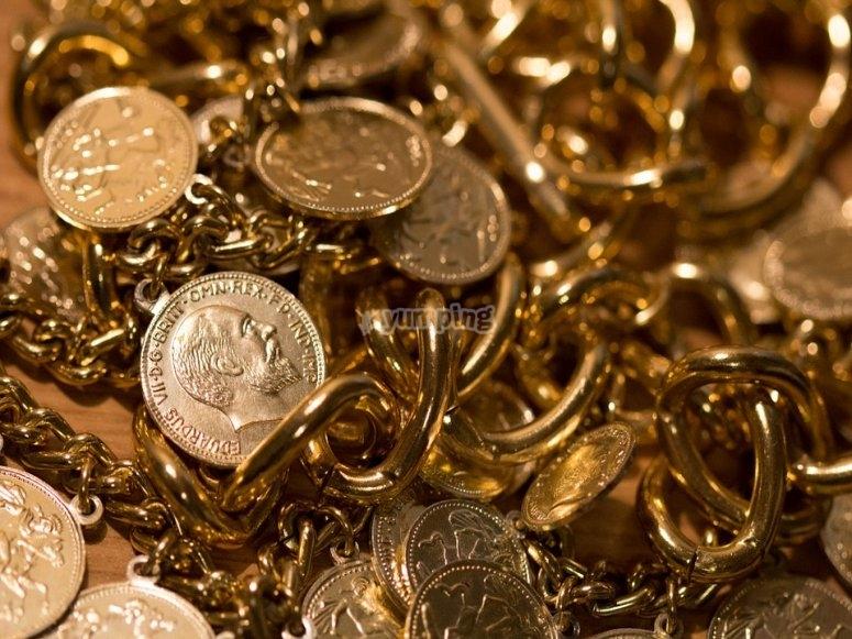 Oro y joyas