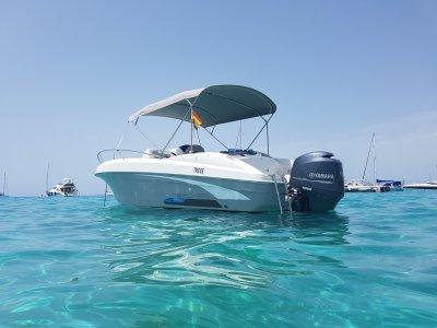 Alquilar barco de 6 metros en Baleares 8 horas